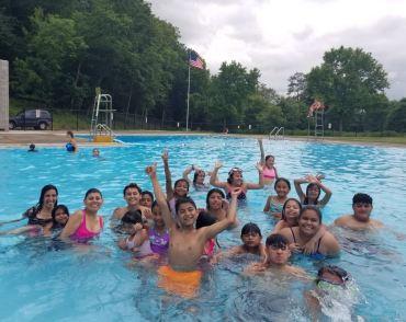 Campamento pool